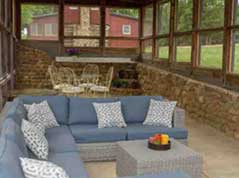 couch on screened in porch - Missouri Vacations