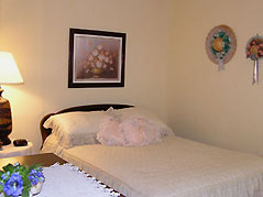 bedroom with twin bed - Missouri Vacations