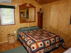cabin bedroom - Missouri Vacations