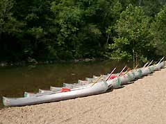 canoes lined up - Missouri Vacations