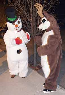 snowman and reindeer costumes - Missouri Vacations