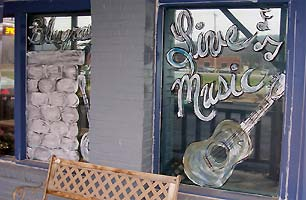 Live music window sign - Missouri Vacations
