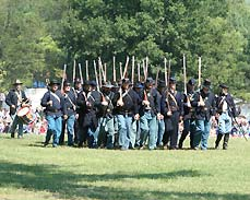 soldiers marching - Missouri Vacations