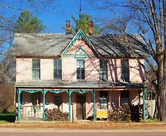 two story colorful old home - Missouri Vacations