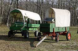 two covered wagons - Missouri Vacations