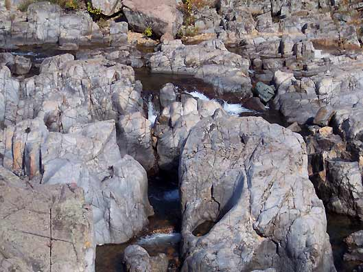 rock formations in johnsons shut-ins - Missouri Vacations
