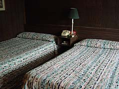 twin beds - Missouri Vacations