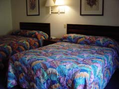 room with two beds - Missouri Vacations