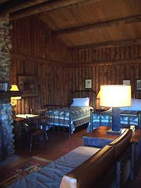bedroom and fireplace - Missouri Vacations